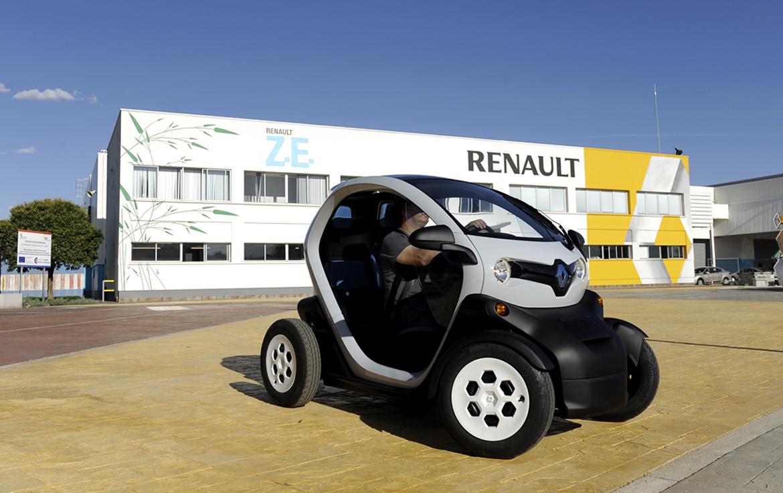 Adecuación de nave y sala de baterías para vehículo eléctrico ZE en Renault
